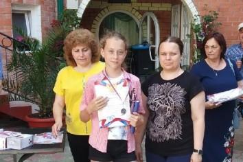 Диана Бондаренко (слева) и Анна Потатуева (справа)