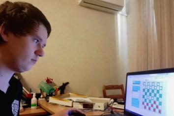 Победитель турнира Сергей Максименко