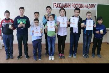Участники и лауреаты соревнований