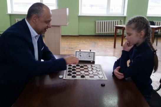 Партия депутата Константина Корнеева и призера первенства мира Анастасии Ляховой
